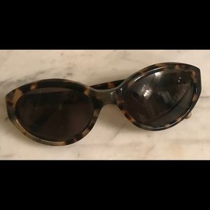 Tory Burch tortoise shell sunglasses-authentic